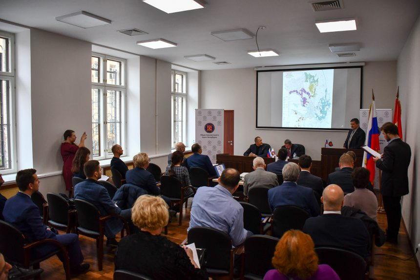 На публичных слушаниях в Общественной палате Санкт-Петербурга единогласно одобрили создание лесопарковой зоны зеленого пояса вокруг Санкт-Петербурга в его административных границах