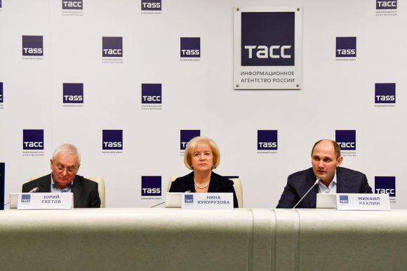 Председатель Общественной палаты Санкт-Петербурга рассказала о выставке, посвященной легендарному тренеру Анатолию Рахлину