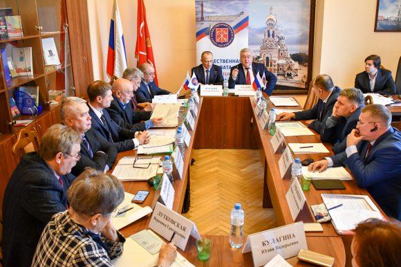 В Общественной палате обсудили подготовку мемориальных комплексов и воинских захоронений к 75-й годовщине Победы