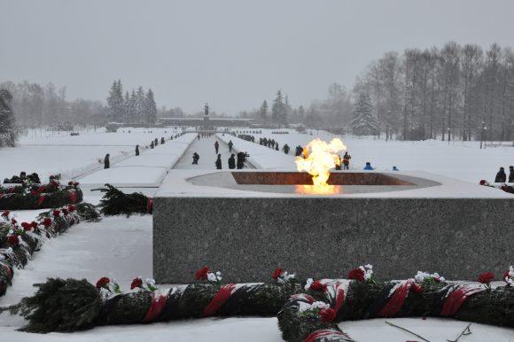 Опрос о состоянии воинских захоронений, памятников и символов Победы в Санкт-Петербурге