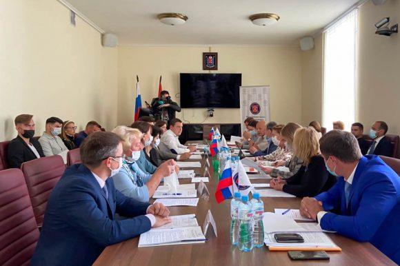 Общественная экспертиза законопроекта о государственной молодежной политике состоялась в Общественной палате Санкт-Петербурга