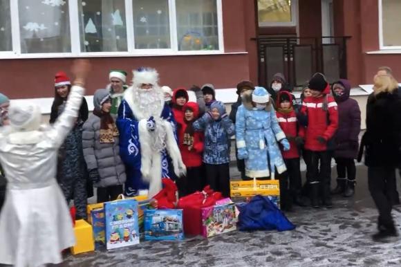 При поддержке Общественной палаты прошла новогодняя праздничная программа для воспитанников детских домов