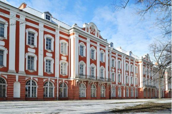 Семь вузов Петербурга вошли в перечень лучших учебных заведений мира