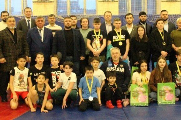 При поддержке Общественной палаты Петербурга состоялся спортивный турнир среди воспитанников детского дома