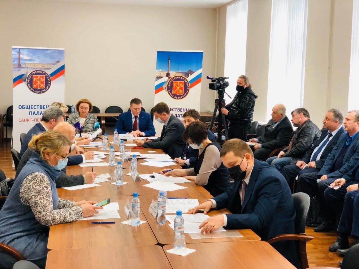 Закон о «гаражной амнистии» обсудили в Общественной палате города